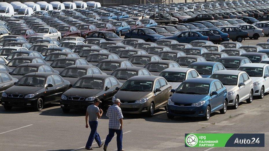 Які автомобілі вироблялися в Україні за 28 років незалежності