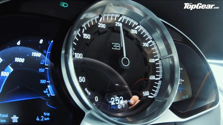 Відео: Bugatti Chiron Sport розкочегарили до 420 км/год
