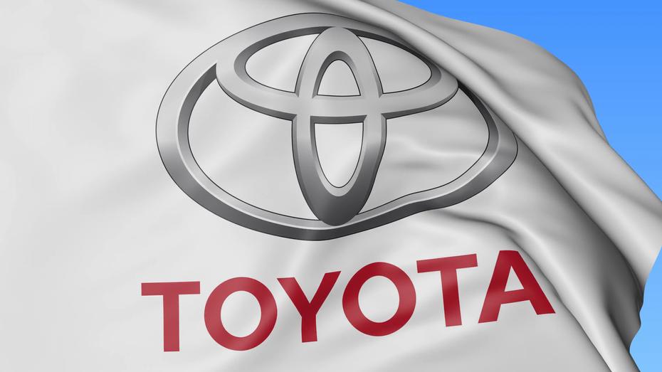 Toyota: чекати новий Land Cruiser ще зарано