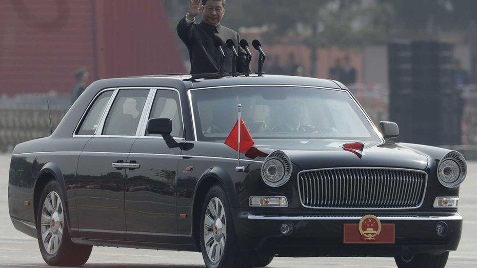 Лідер супердержави влаштував показовий виїзд на своєму новому лімузині перед національним парадом