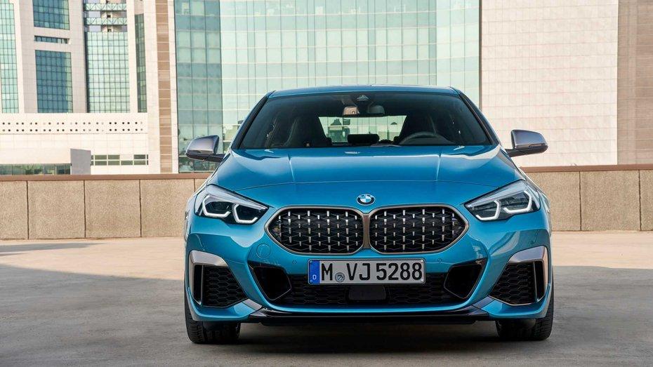 BMW обрав київські пейзажі для реклами своєї новинки: відео