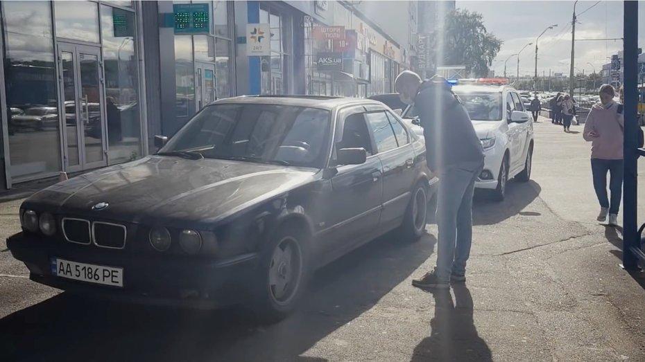 Коли на тротуарі не можна паркуватися: відео