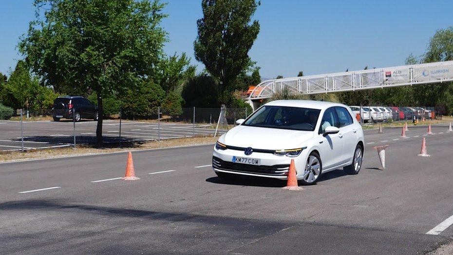 «Лосиный тест» для Volkswagen Golf 8: как авто справилось с задачей (видео)